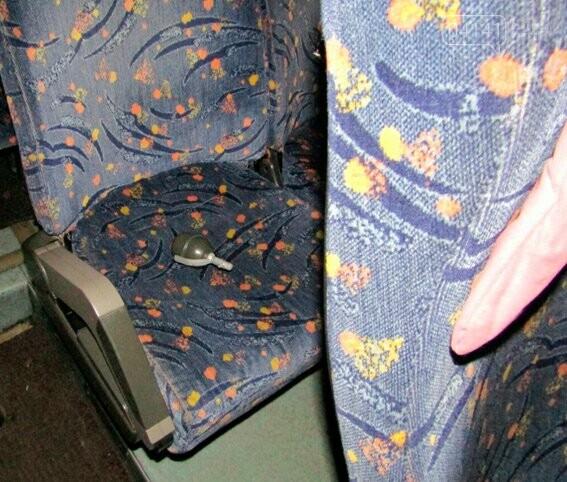 В автобусі міжнародного сполучення неадекватний пасажир погрожував підірвати пасажирів, фото-1
