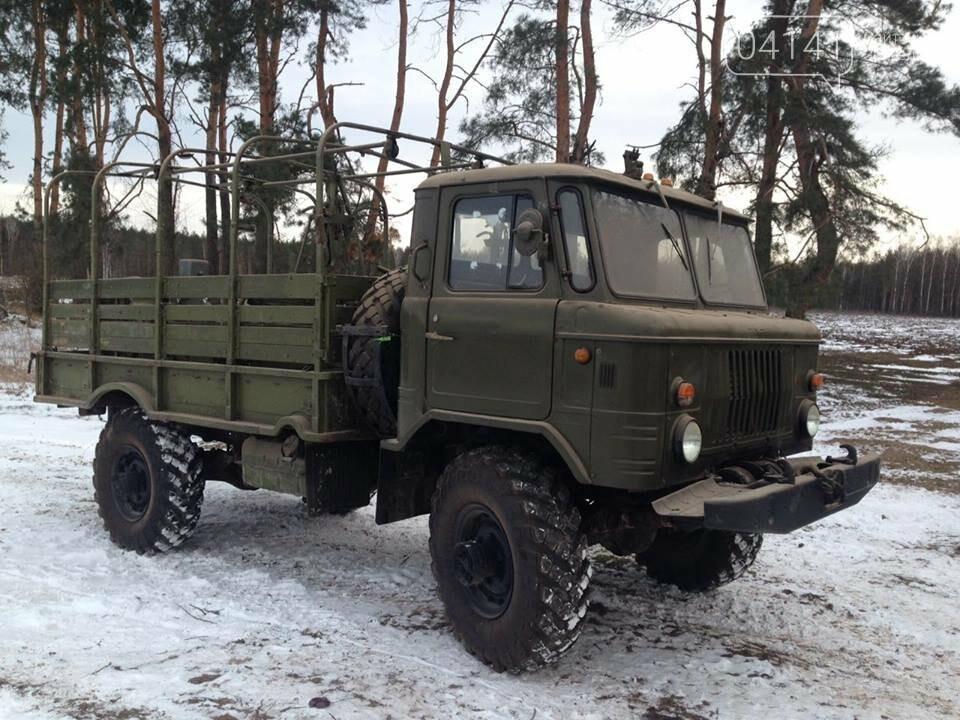 Кому війна, кому мати рідна: У Новоград-Волинському районі виявили незаконні склади військової техніки підготовленої для продажу, фото-3