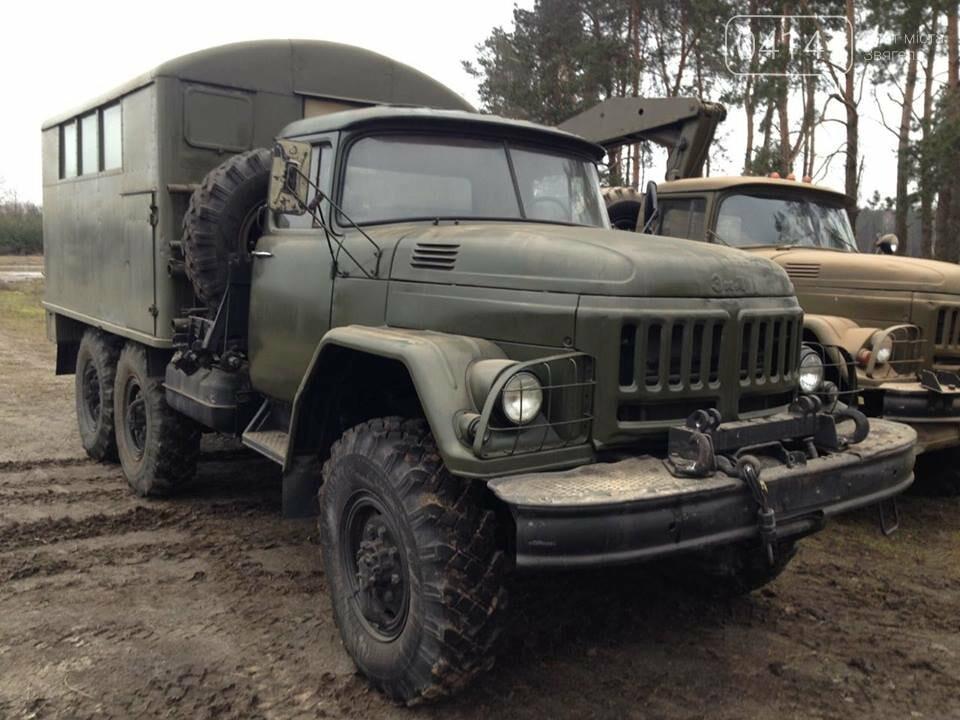Кому війна, кому мати рідна: У Новоград-Волинському районі виявили незаконні склади військової техніки підготовленої для продажу, фото-4