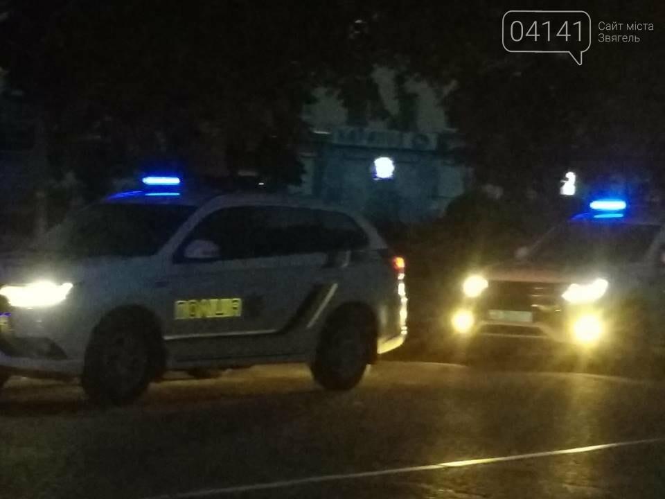 ДТП: У центрі Новограда-Волинського позашляховик VOLVO зніс з дороги чоловіка на електроскутері (ФОТО), фото-3