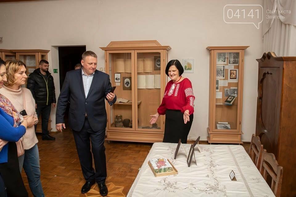Кандидат в Президенти Олександр Шевченко відвідав музей родини Косачів в Новограді-Волинському, фото-1
