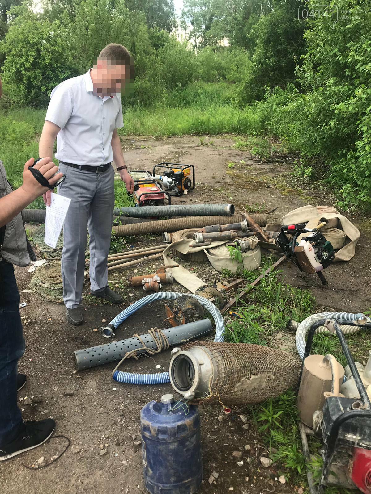 На Житомирщині СБУ припинила діяльність організованого угруповання з незаконного видобутку і збуту бурштину, фото-1
