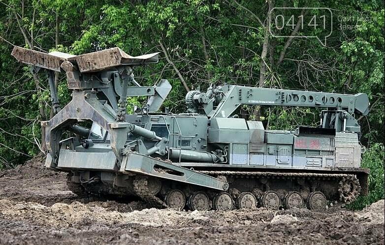 Основною інженерною технікою новоствореної єгерської бригади є БАТ-2, фото-1