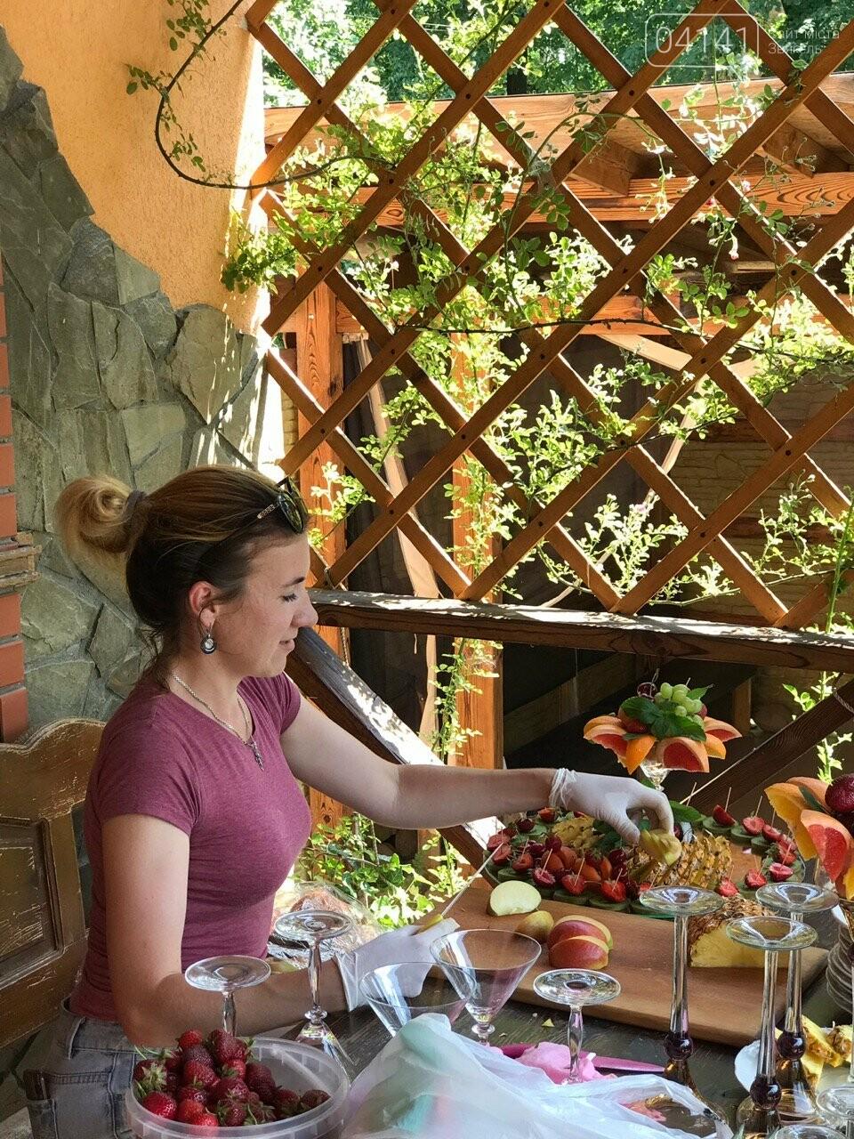Знайомтеся, це Анна з Новограду - майстриня, яка створює неймовірні фруктові букети, фото-11
