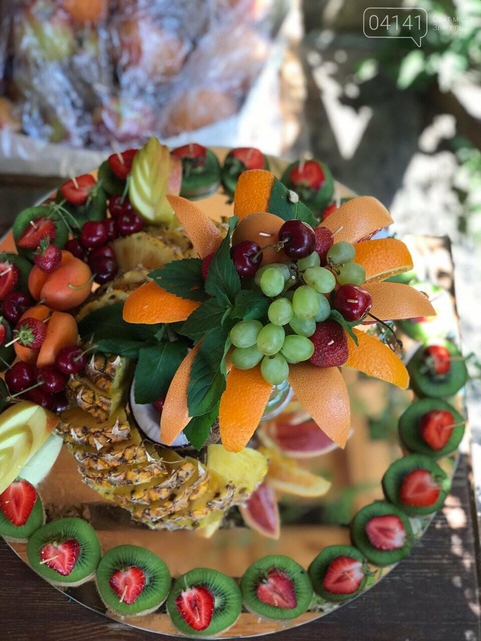 Знайомтеся, це Анна з Новограду - майстриня, яка створює неймовірні фруктові букети, фото-4