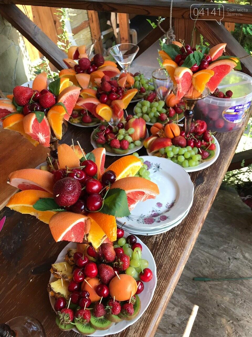 Знайомтеся, це Анна з Новограду - майстриня, яка створює неймовірні фруктові букети, фото-5