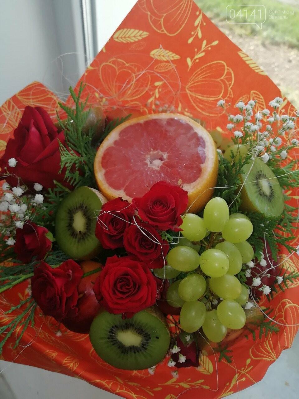 Знайомтеся, це Анна з Новограду - майстриня, яка створює неймовірні фруктові букети, фото-9