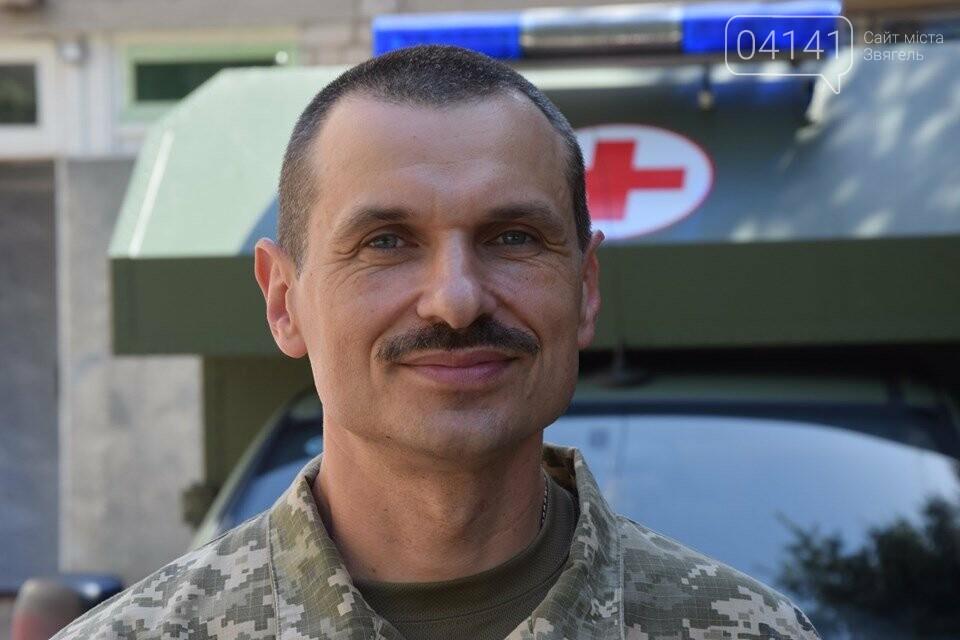 20 років в 30-ій бригаді:  Що допомагає військовому-медику, миротворцю рятувати життя, фото-1