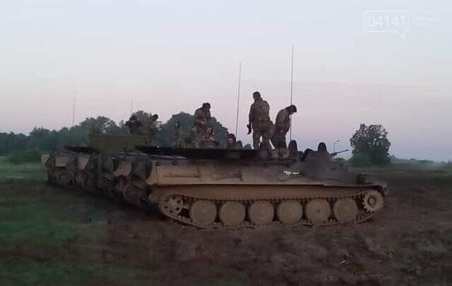 Військові єгеря удосконалювали навички водіння гусеничної техніки (ФОТО), фото-4