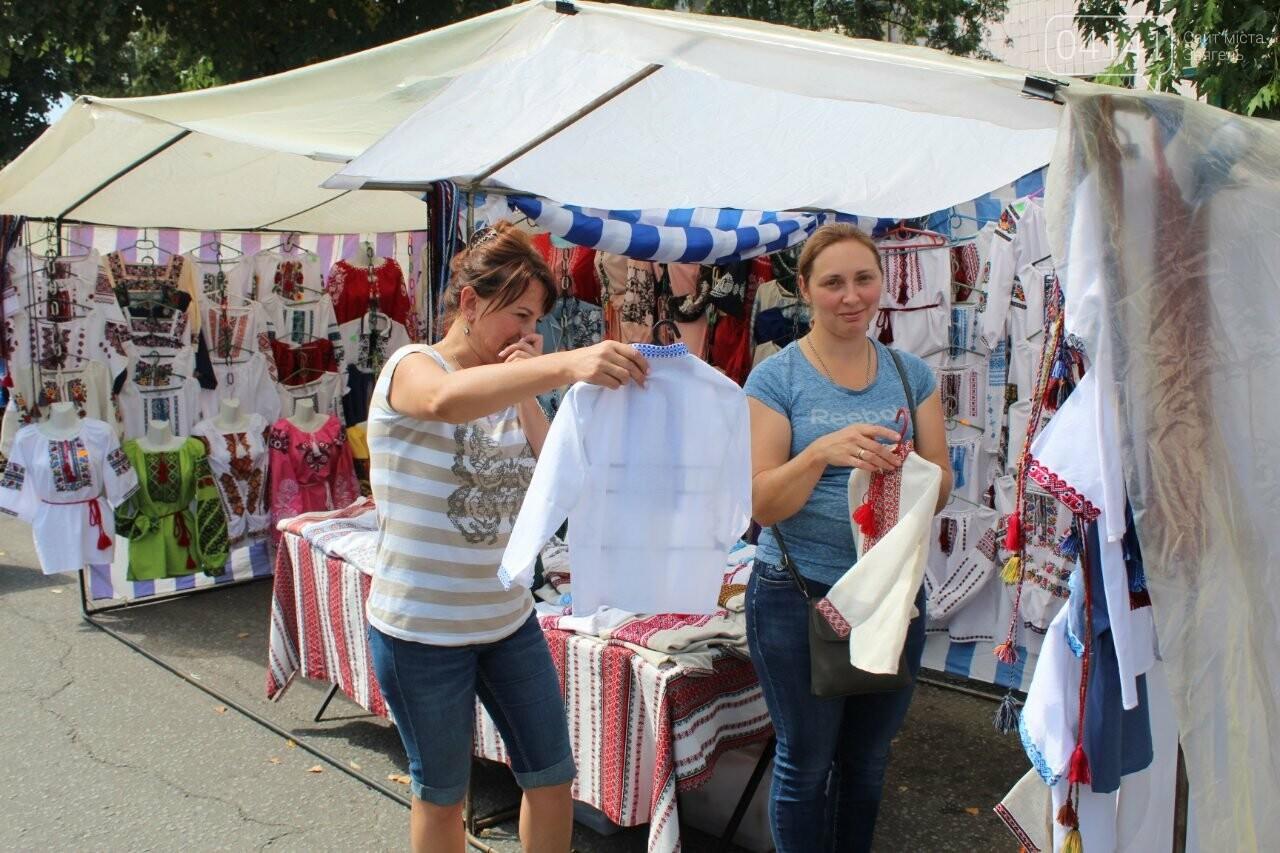 Що корисного та смачного можна купити на святковому ярмарку в Новограді-Волинському, фото-2