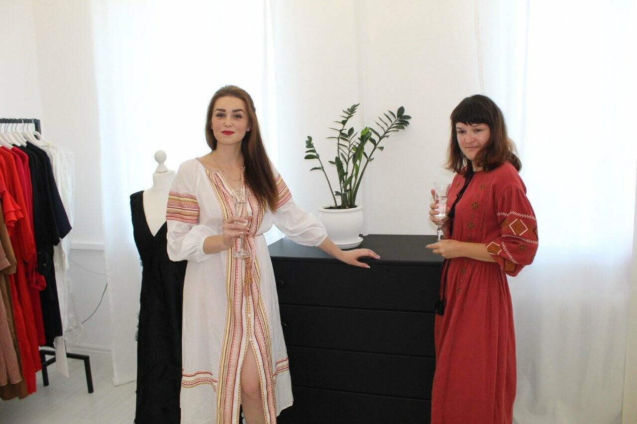 Де жінкам купити сучасний та стильний одяг в Новограді-Волинському, фото-3