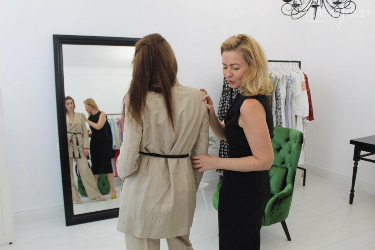 Де жінкам купити сучасний та стильний одяг в Новограді-Волинському, фото-6