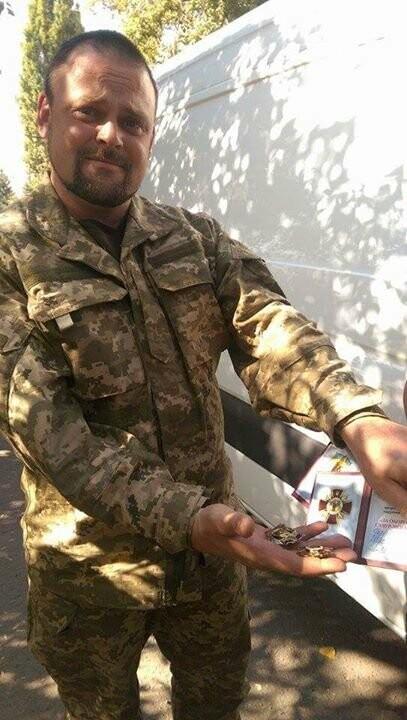 Загиблому бійцю 30-ї бригади Олегу Єрмаку в зоні АТО/ООС встановили меморіал, фото-1