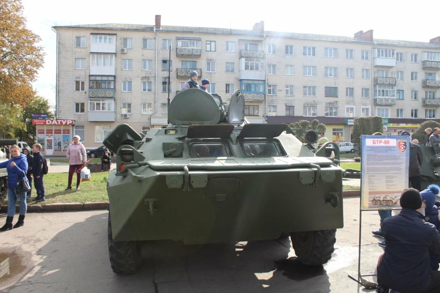 У Новограді проходить виставка військової техніки (ФОТОРЕПОРТАЖ), фото-4