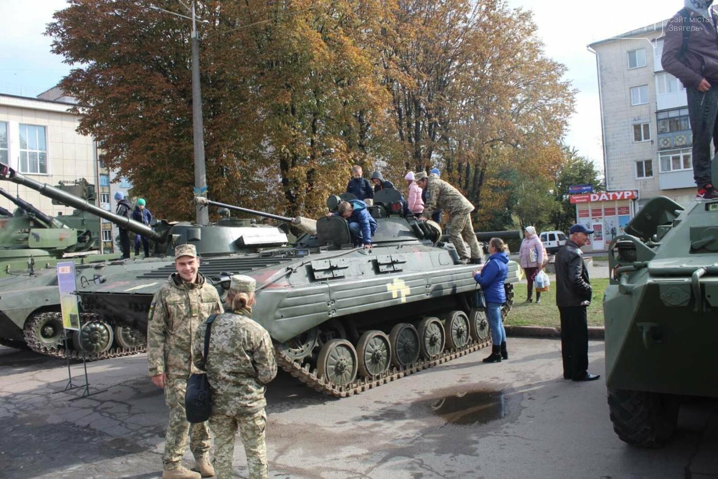 У Новограді проходить виставка військової техніки (ФОТОРЕПОРТАЖ), фото-6
