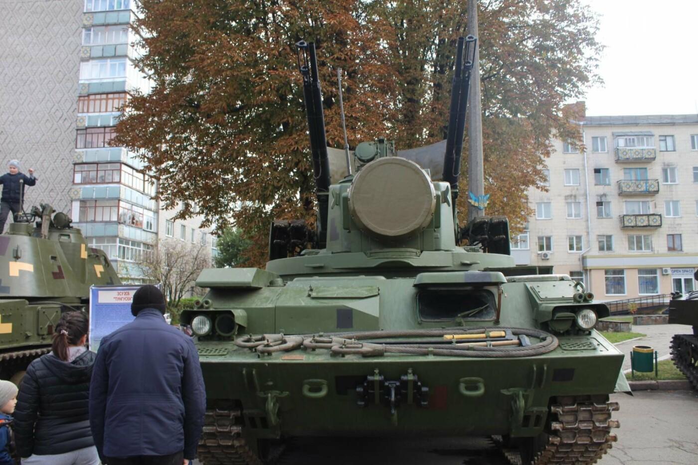 У Новограді проходить виставка військової техніки (ФОТОРЕПОРТАЖ), фото-7