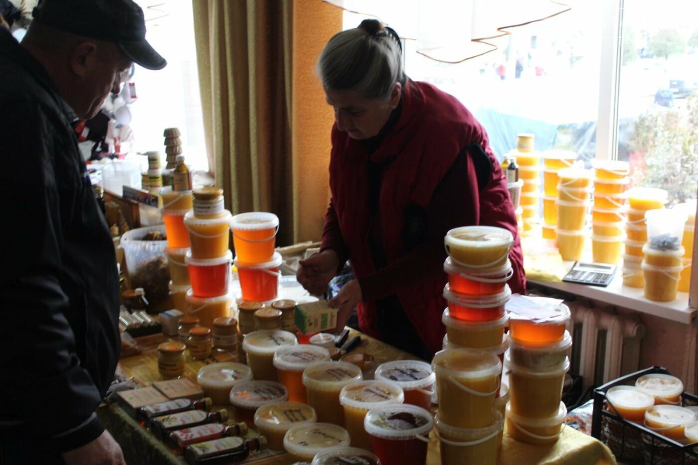 У Новограді проходить ярмарок українських товаровиробників: Що можна придбати? (ФОТО, ВІДЕО), фото-7