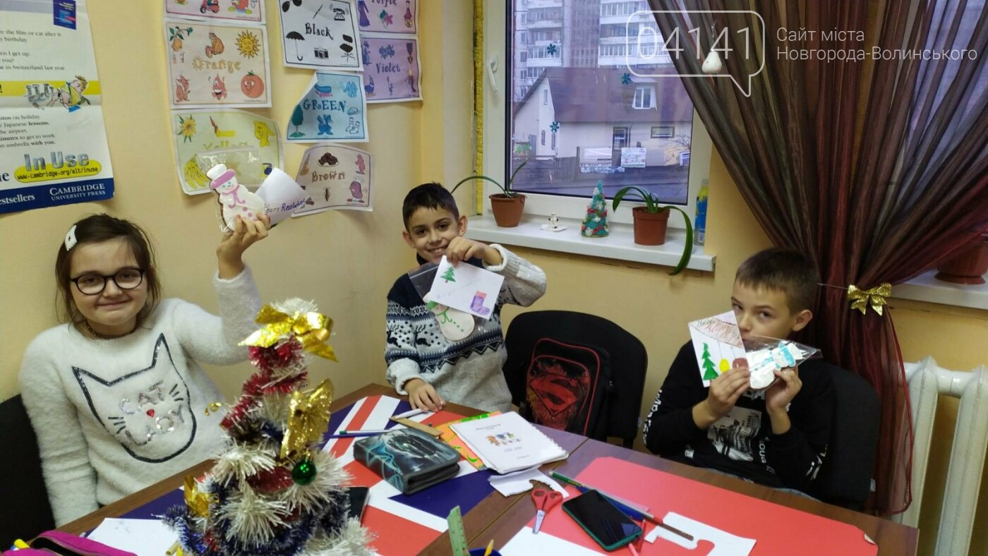 Щасливого Різдва: Новоград-волинські діти пізнавали традицію англомовних країн, фото-2