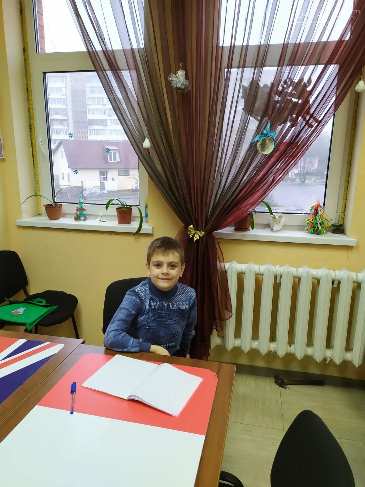 Щасливого Різдва: Новоград-волинські діти пізнавали традицію англомовних країн, фото-8