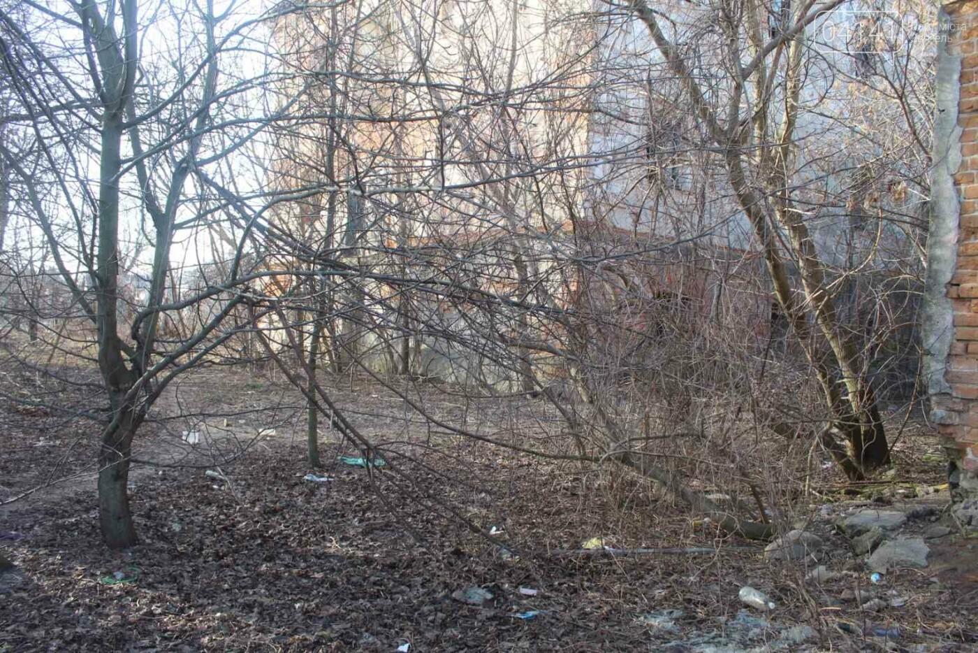 Вітер гуляє: Як сьогодні виглядає найстаріша будівля Новограда-Волинського (ФОТОРЕПОРТАЖ), фото-3