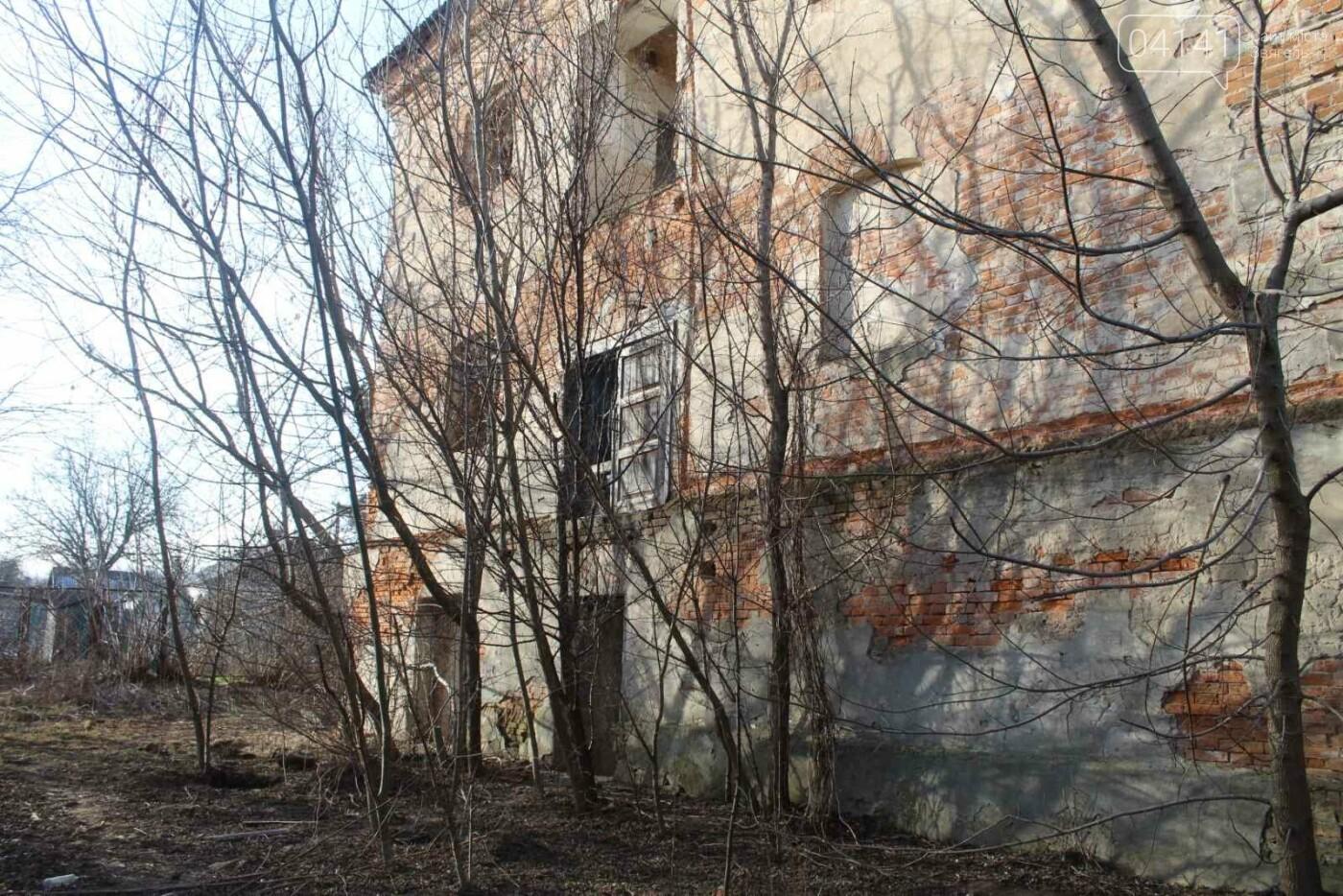 Вітер гуляє: Як сьогодні виглядає найстаріша будівля Новограда-Волинського (ФОТОРЕПОРТАЖ), фото-4