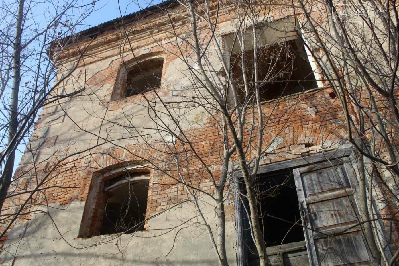 Вітер гуляє: Як сьогодні виглядає найстаріша будівля Новограда-Волинського (ФОТОРЕПОРТАЖ), фото-14