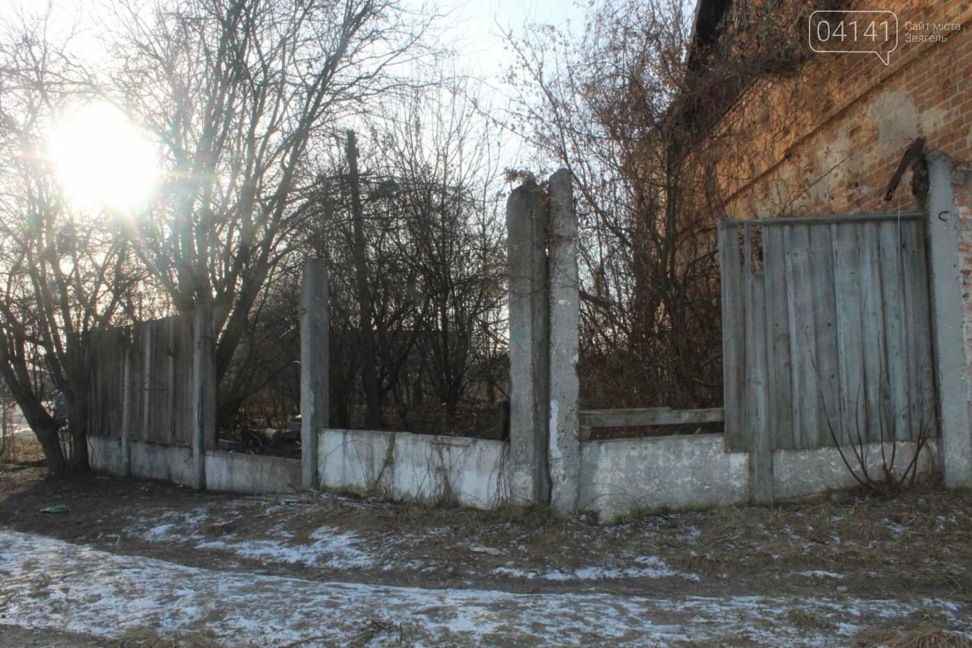 Вітер гуляє: Як сьогодні виглядає найстаріша будівля Новограда-Волинського (ФОТОРЕПОРТАЖ), фото-11