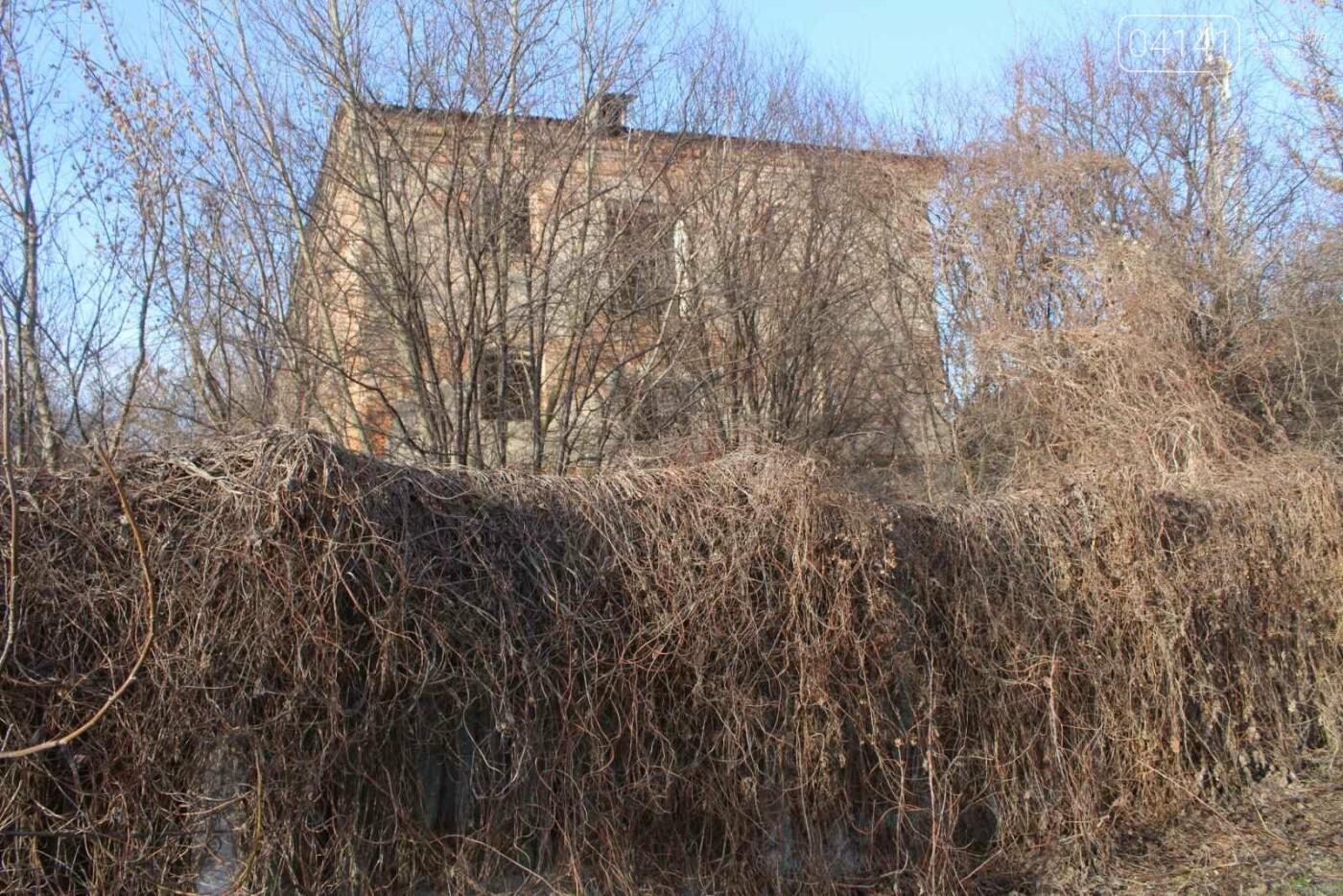 Вітер гуляє: Як сьогодні виглядає найстаріша будівля Новограда-Волинського (ФОТОРЕПОРТАЖ), фото-8