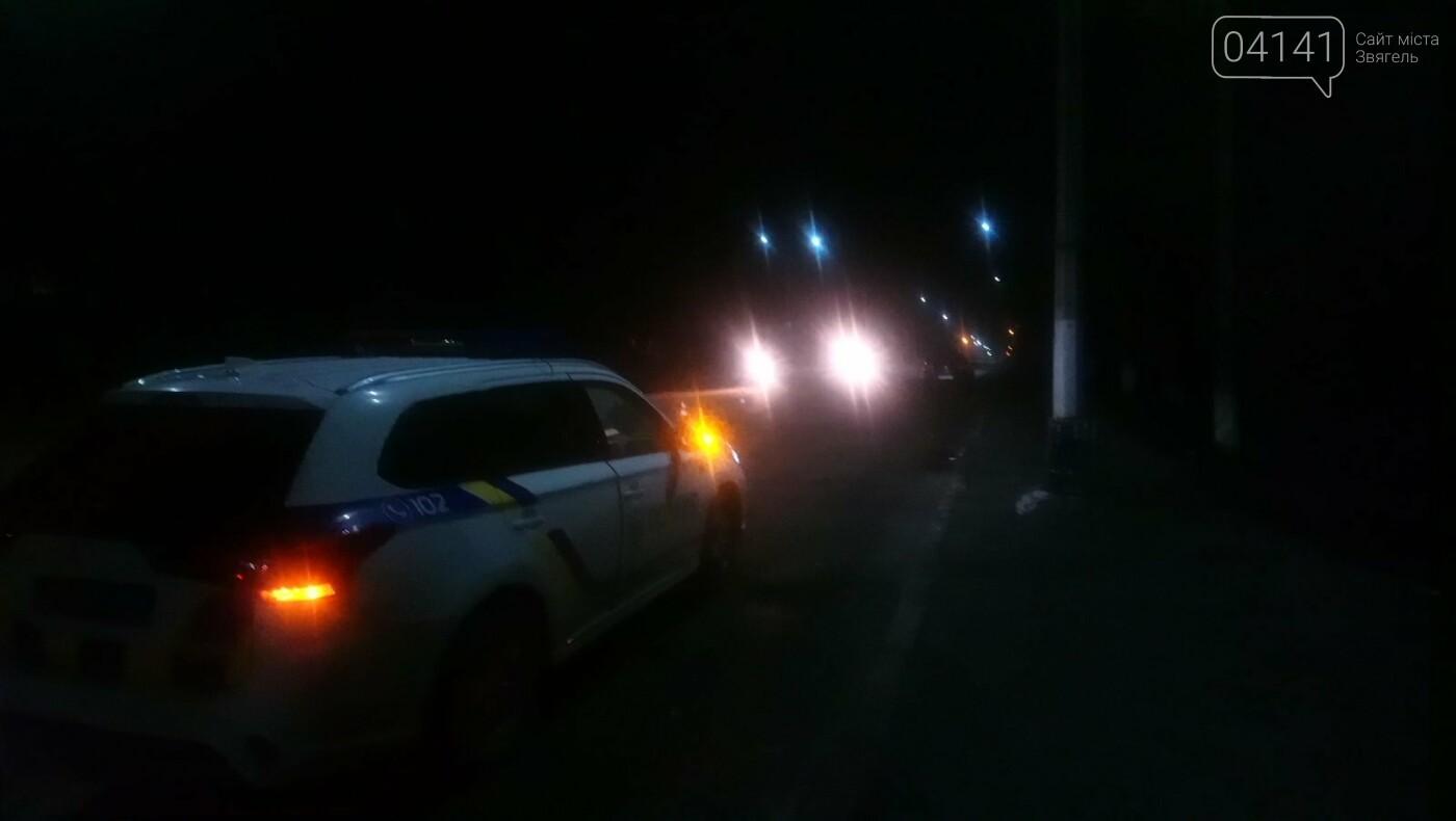 У Новограді автомобіль збив пішохода, який перебігав дорогу в недозволеному місці (ФОТО, ВІДЕО), фото-4