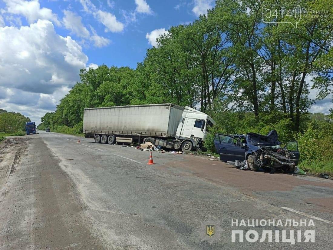 У Новограді легковик зіткнувся з вантажівкою (ФОТО), фото-2