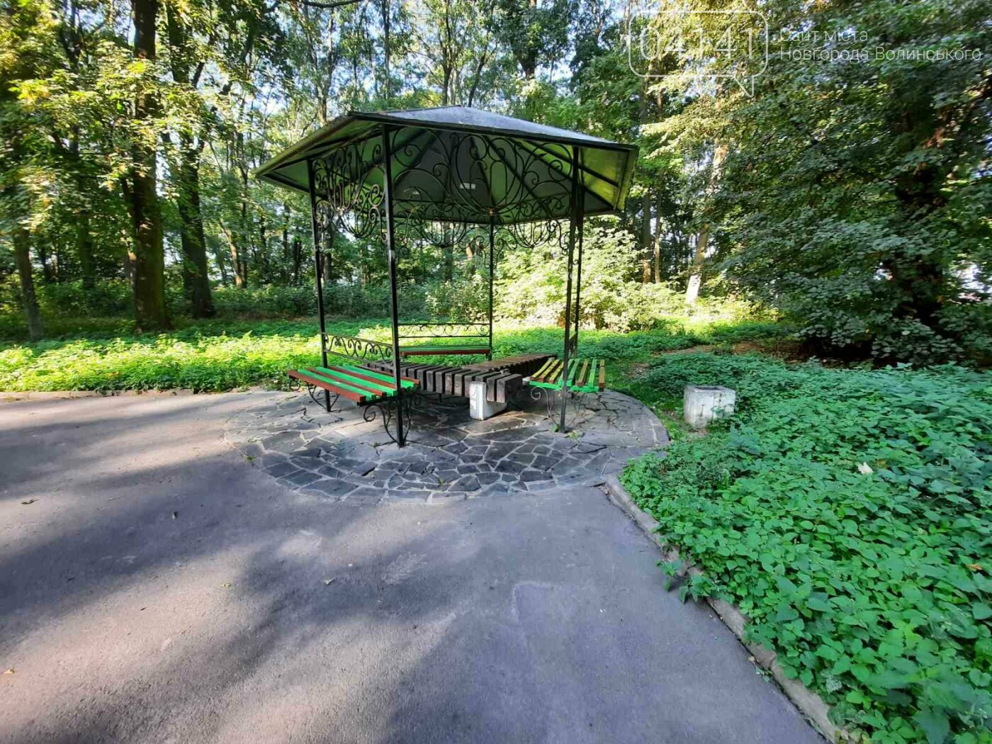 """Початок осені у парку на """"Болгарбуді"""": Що милує та """"ріже"""" око (ФОТО), фото-3"""