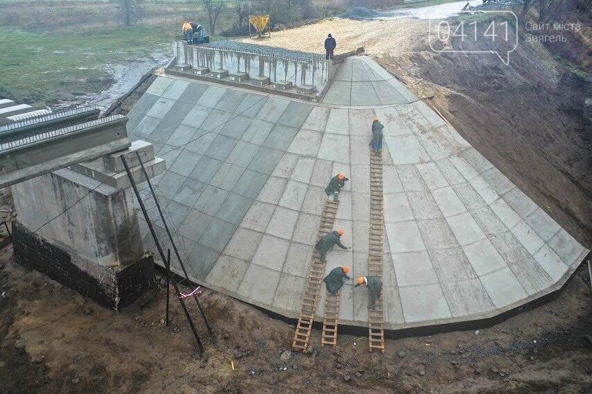 """Будівництво """"Чижівського мосту"""": Видовищні фото з висоти пташиного польоту, фото-4"""