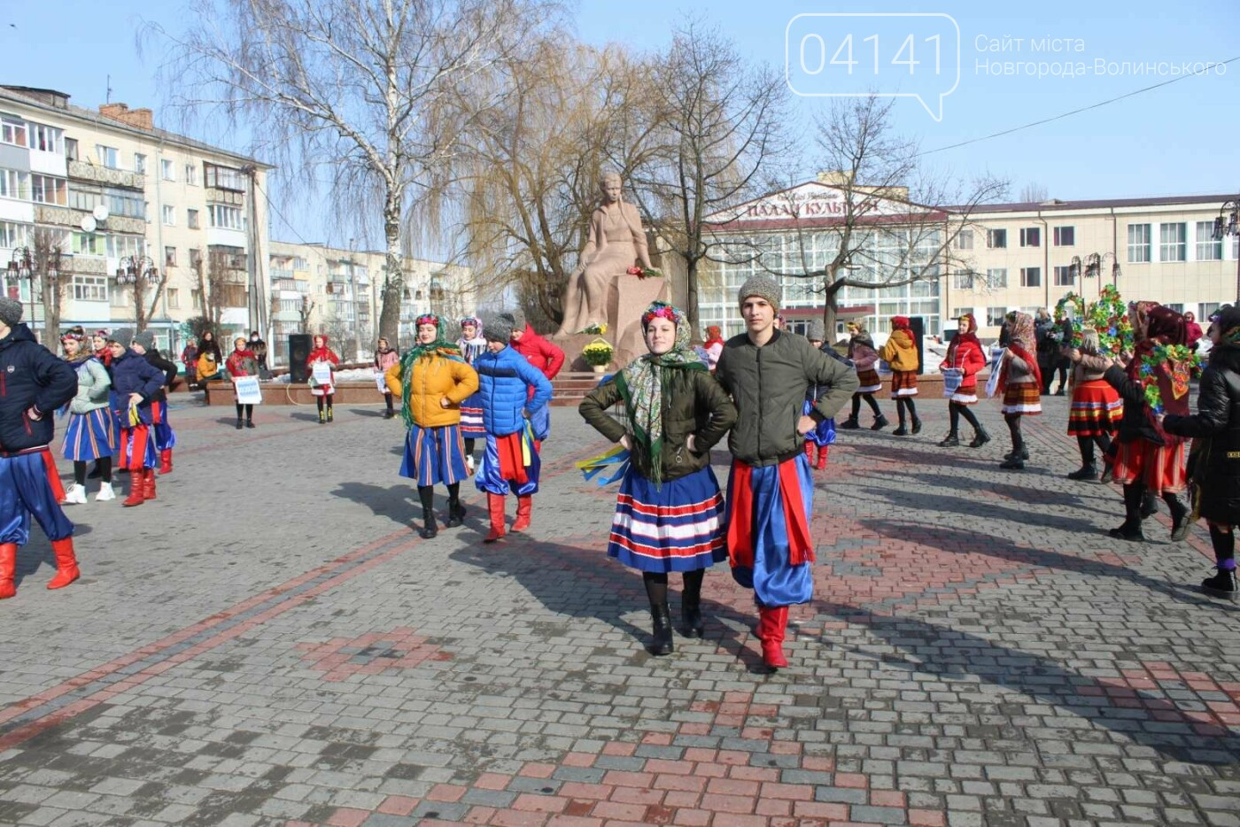 """Квіти, промови і """"ганьба"""": Як у Новограді вшановують Лесю Українку, фото-11"""