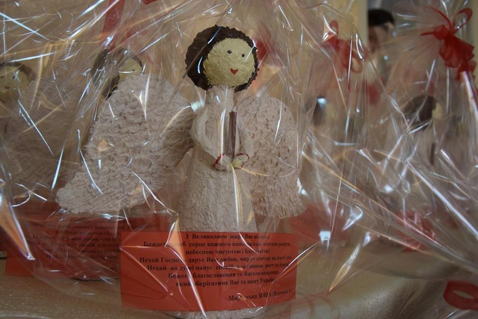 Новоградським військовим діти з прифронтової Мар'їнки вручили подарунки до Великодня , фото-7