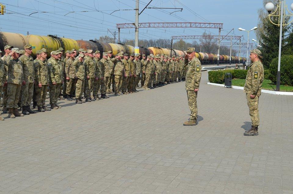 Бійці 54-розвідбату з Новограда-Волинського вирушили в зону антитерористичної операції , фото-1