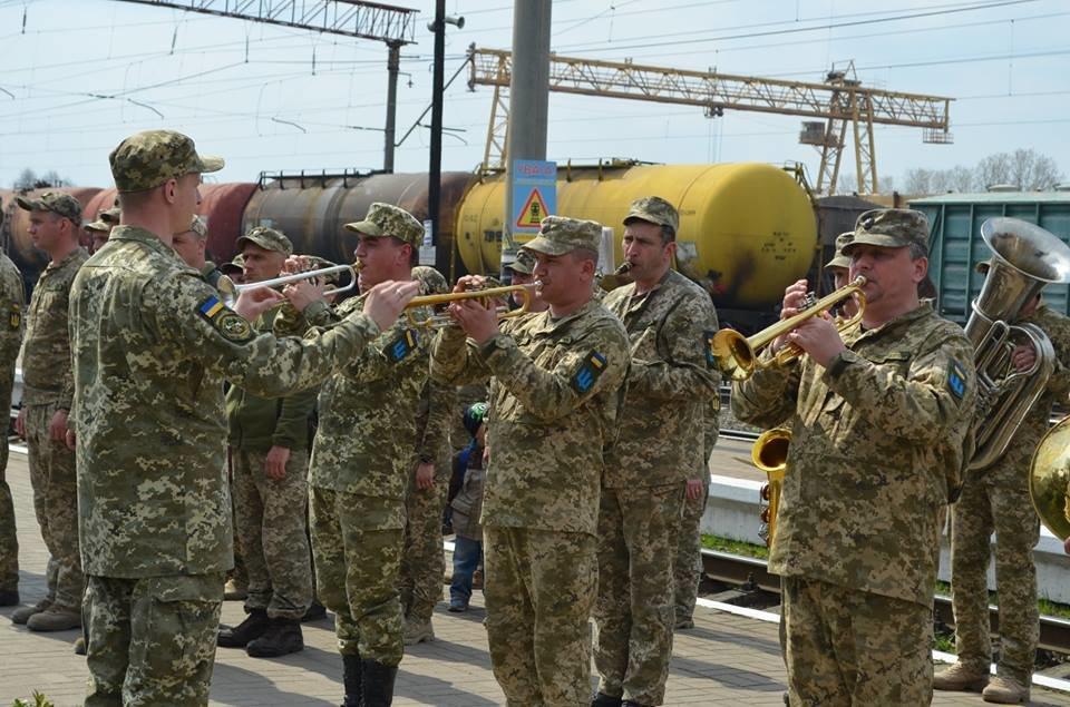 Бійці 54-розвідбату з Новограда-Волинського вирушили в зону антитерористичної операції , фото-3