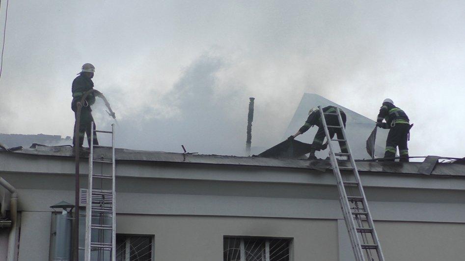 Подробиці пожежі у Новоград-Волинському молодіжному центрі, фото-2