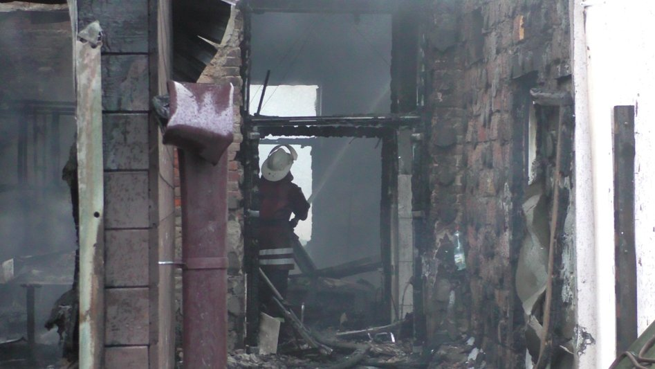Подробиці пожежі у Новоград-Волинському молодіжному центрі, фото-4