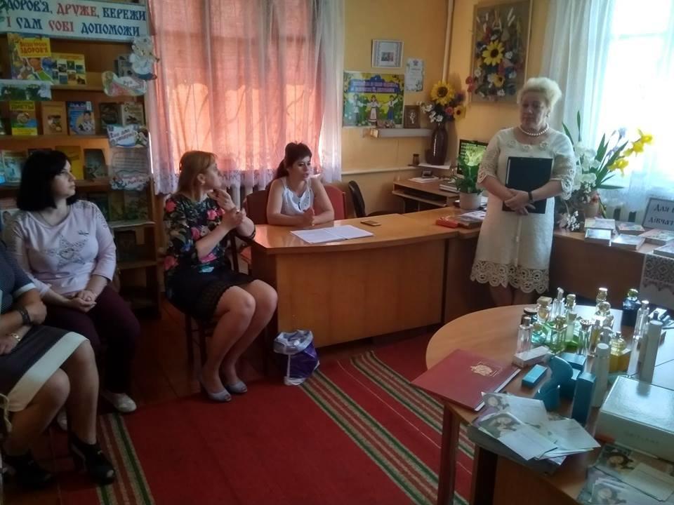У Новоград – Волинській бібліотеці - філії №2 для дітей пройшла година взаємин «Здорова. Стильна. Мобільна» , фото-2
