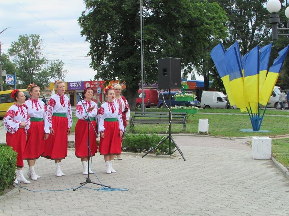 У Новограді-Волинському відзначили 22-у річницю Конституції України, фото-7