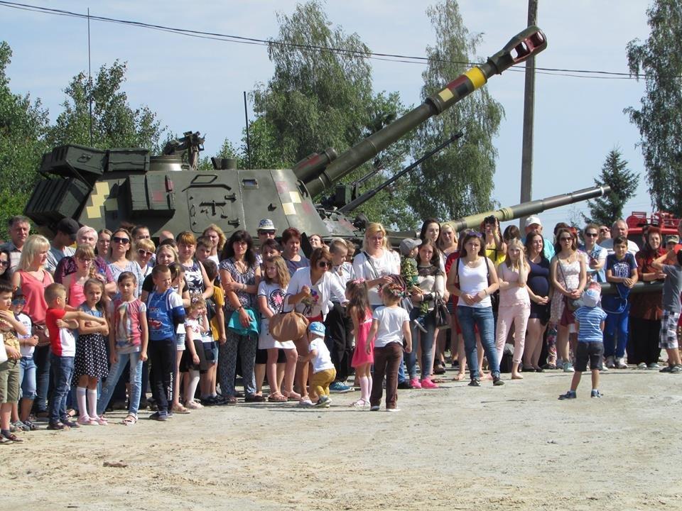 Урочистості з нагоди повернення 30-ї окремої механізованої бригади, фото-1