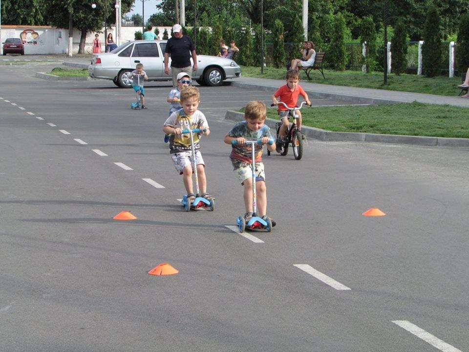Перегони для найменших: у Новограді-Волинському відбувся дитячий велопробіг, фото-1