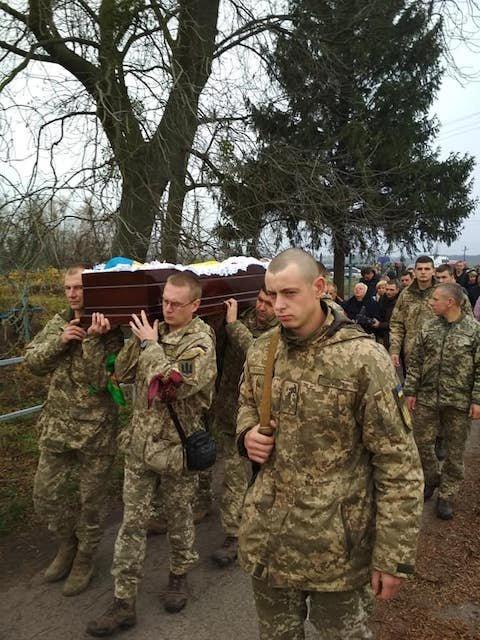 На Житомирщині попрощалися із загиблим на Донбасі військовим, фото-1