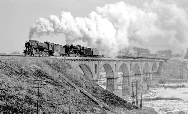 Унікальний залізничний міст через річку Случ в Новограді-Волинському: Цікаві факти про рідкісну споруду, фото-1