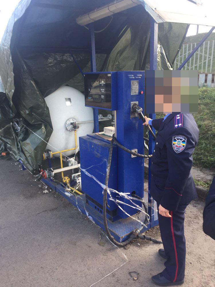 У Житомирській області влаштували масштабну облаву на незаконні заправки, фото-2