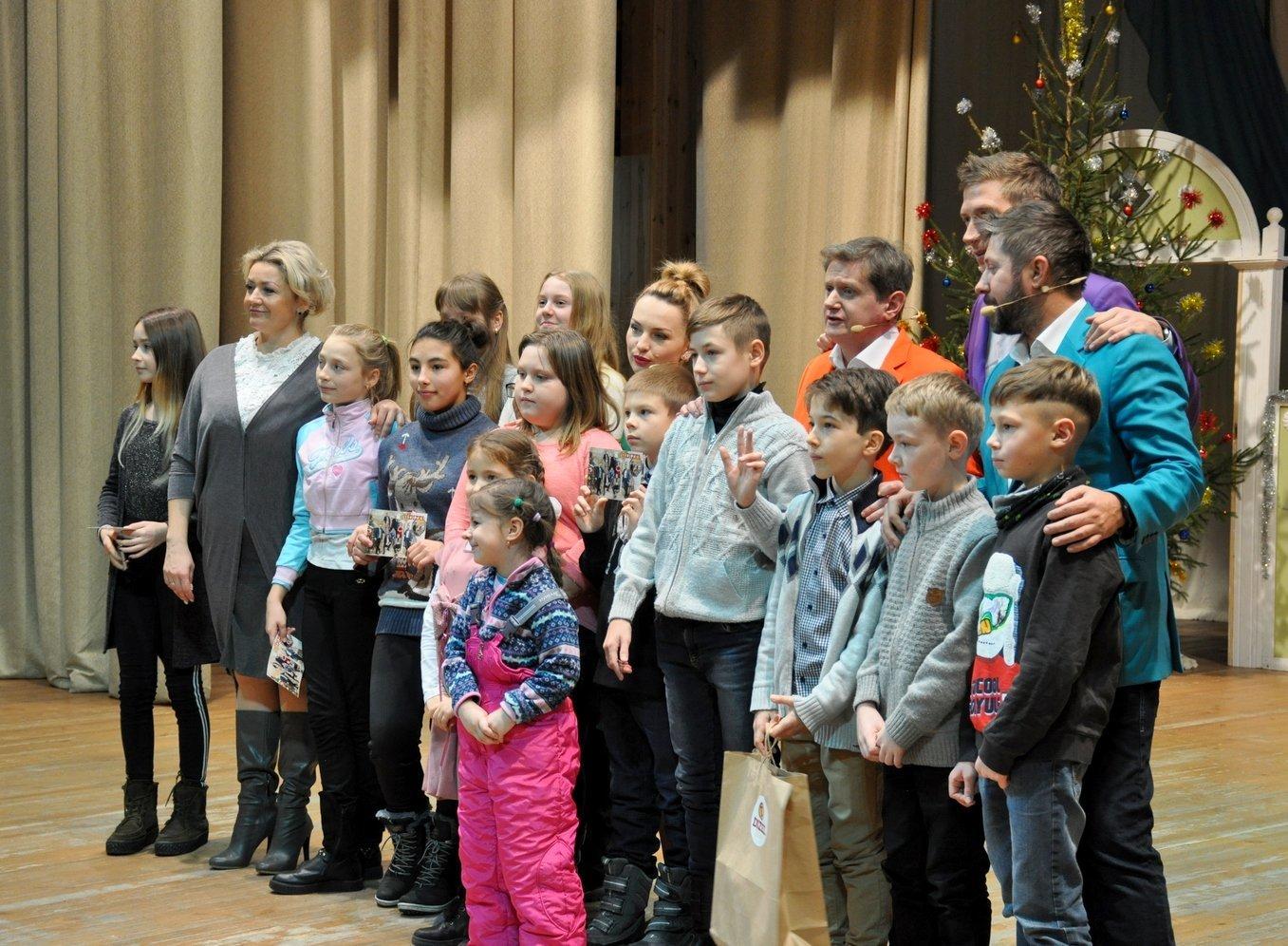 Двогодинне свято для дітей влаштувала команда «Дизель Шоу», фото-5