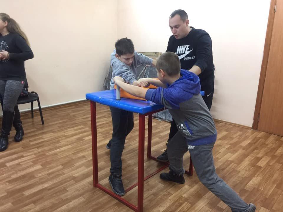 У Новограді-Волинському відбулися змагання з армспорту, фото-4