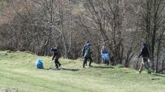 Учні Новоград-Волинського ліцею прибирали берег Случі, фото-1