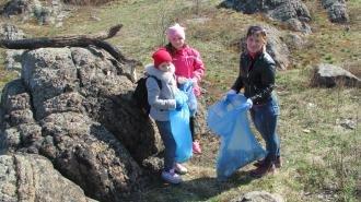 Учні Новоград-Волинського ліцею прибирали берег Случі, фото-3