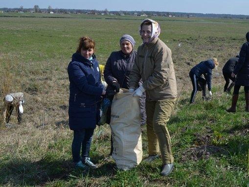 На території Новоград-Волинського району відбувся День благоустрою, фото-1
